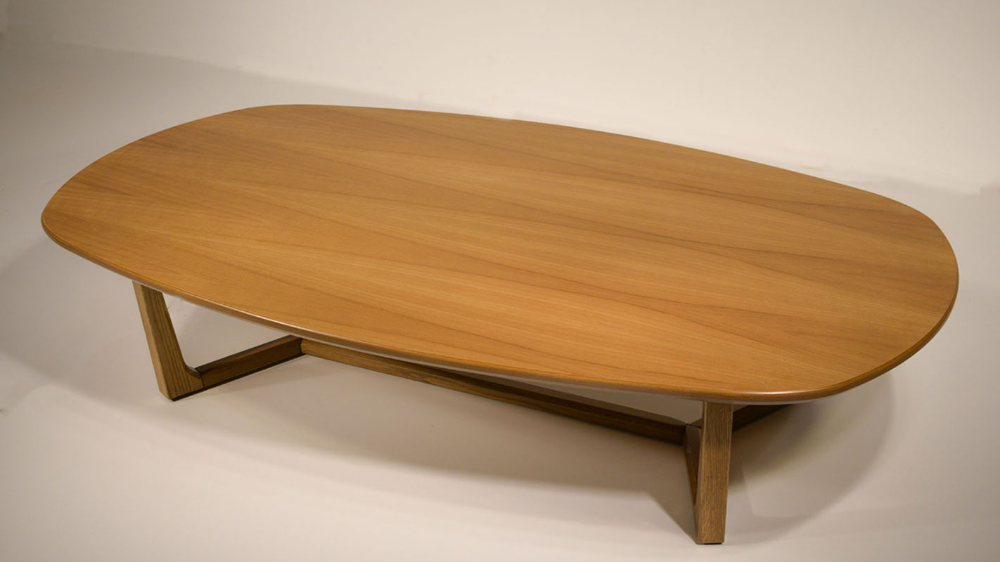 ellipse coffee table with oak frame and top