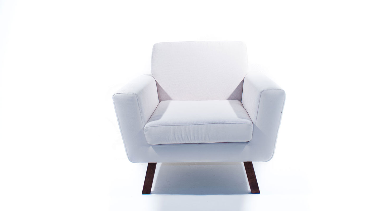 med armchair white upholstered with oak legs