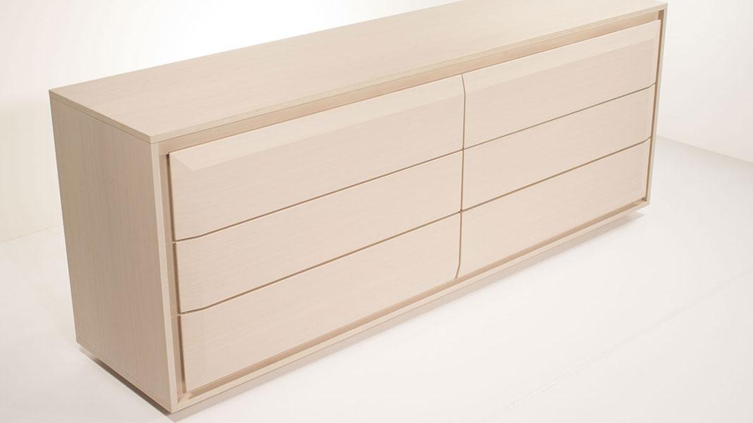 curvie sideboard made of fine oak wood
