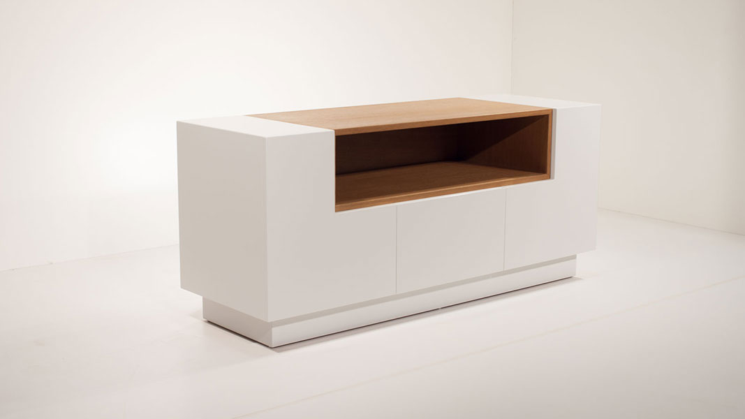 daisy sideboard made of white and natural oak wood