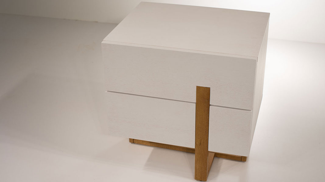 detail nightstand with two drawers - soft closing mechanism