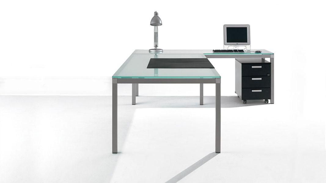 linear prof executive desk with metal legs