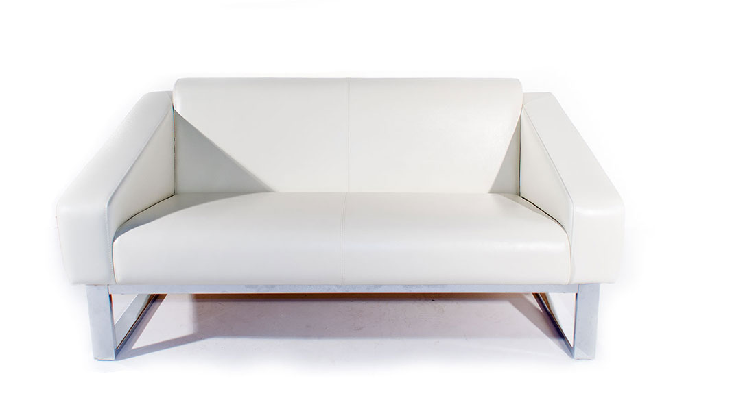 stand by upholstered sofa with metal legs
