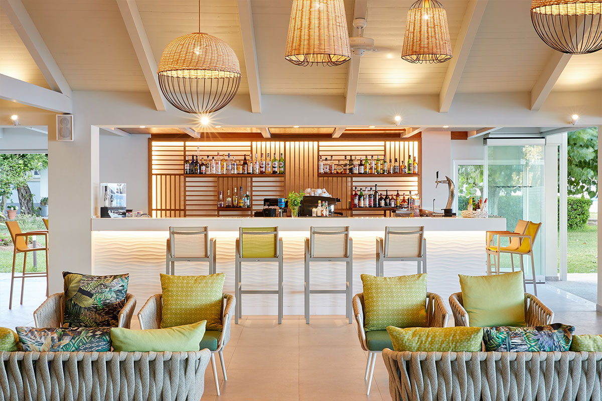 Delfinia Hotel – Beach bar
